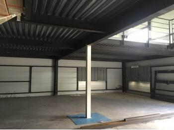 Loue entrepôt 120m² avec bureaux 400m² à Saucats