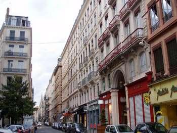 Vente commerce prêt à porter à Lyon 69002