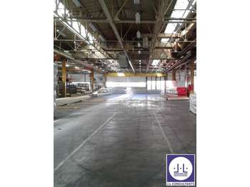 Loue entrepôt 4940m² en parc d'activité Montmélian