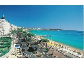 Murs Hôtel Loué  entre Antibes / Cannes RENT 5,4%