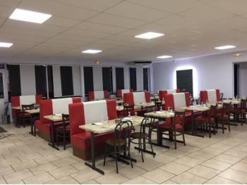 Restaurant bel emplacement 200 places assises