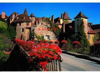 murs à vendre en bord de Dordogne, village classé